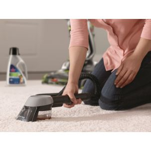 Spot and carpet cleaning stain trapper